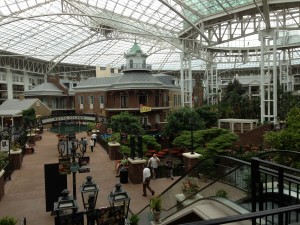 Shops and restaurants in the Gaylord.